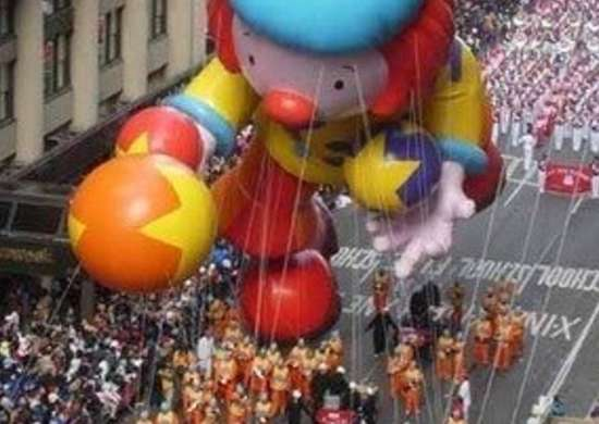 Labworks360-macys-thanksgiving-day-parade-raggedy-ann-float-bob-vila-220111123-36322-155ldx5-0