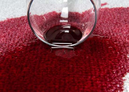 White wine to clean red wine