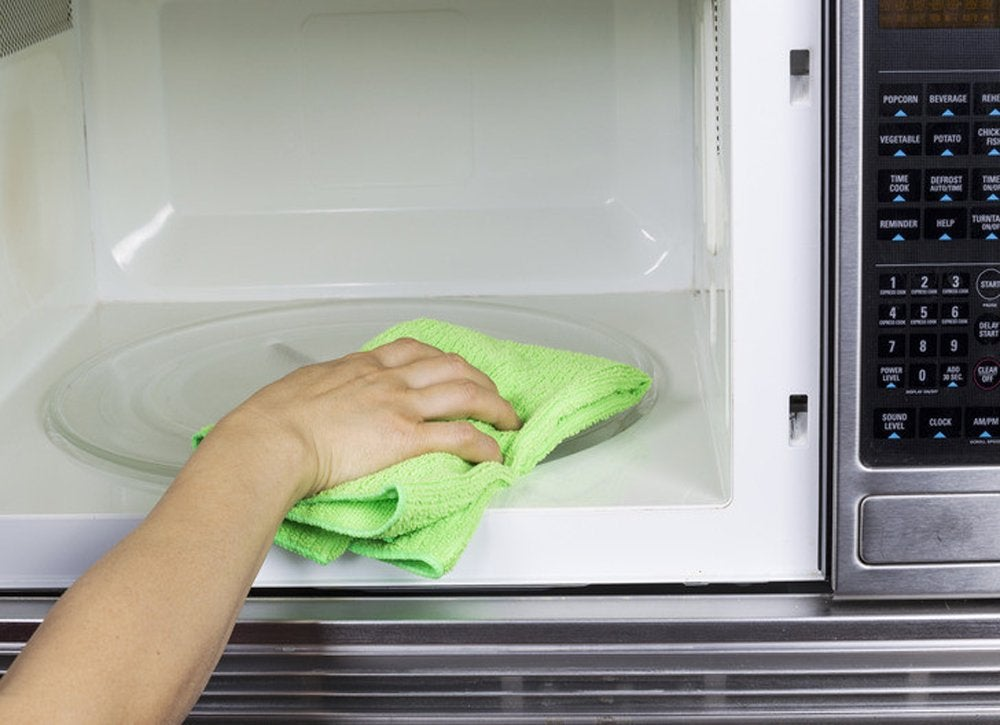 How_to_clean_a_microwave