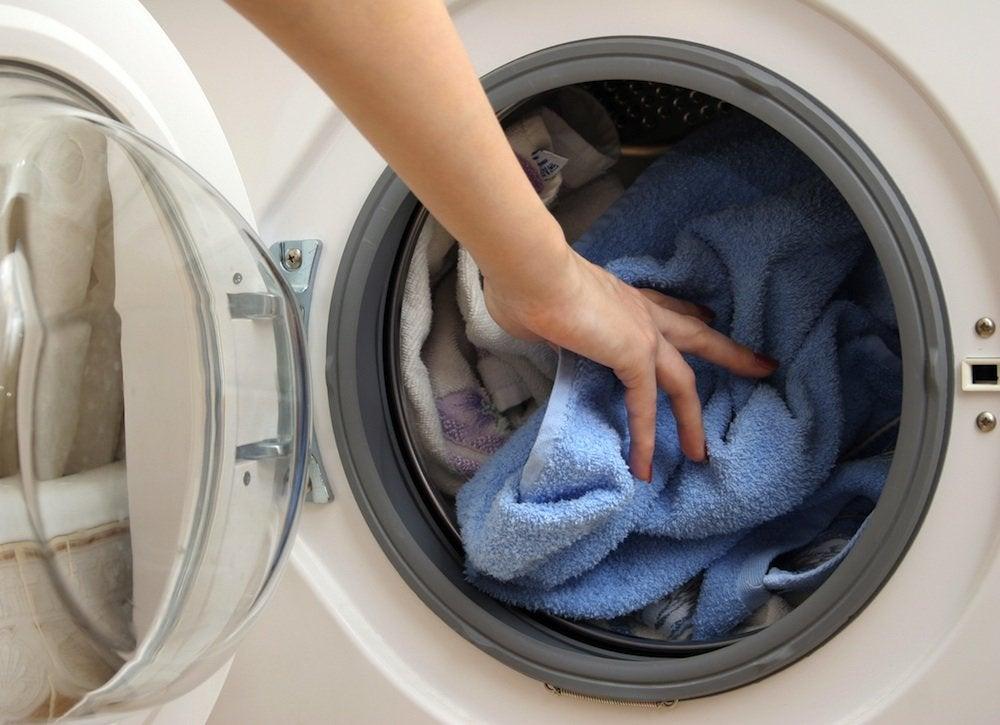 Wash shower liner in washing machine
