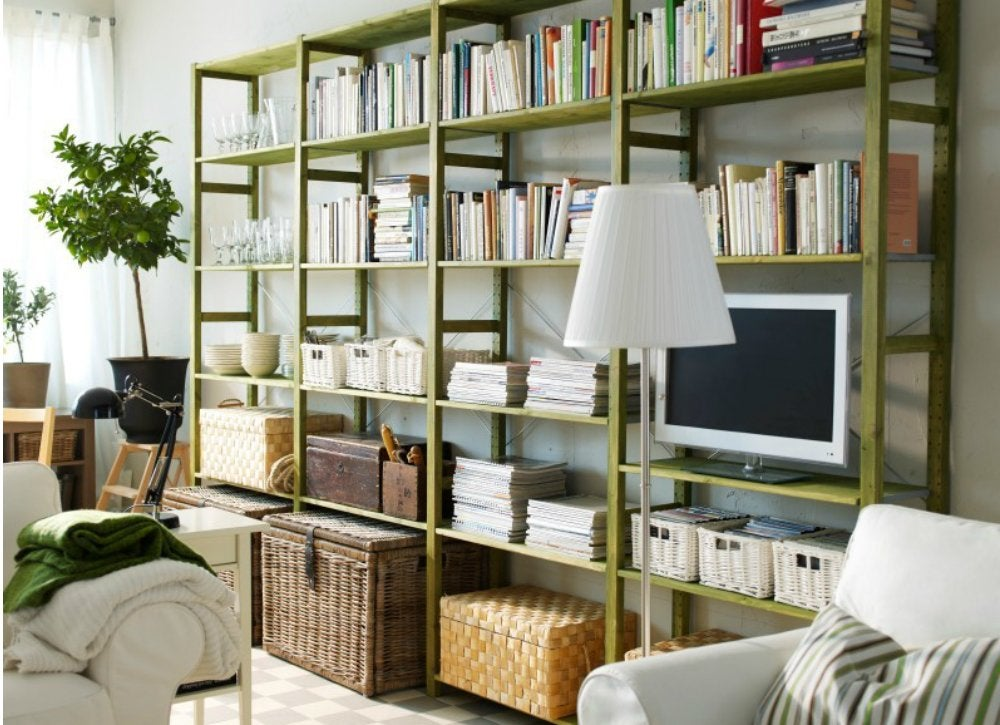 Tv in bookshelves