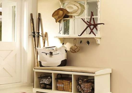 Entryway storage bench