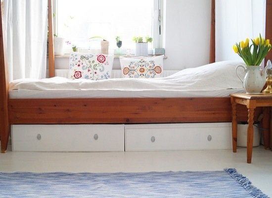 Ikea_hack_bed_storage