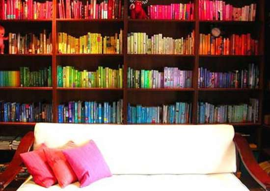 Organize_with_color_-_bookshelves