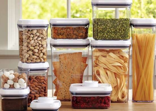 Stacking food storage containers