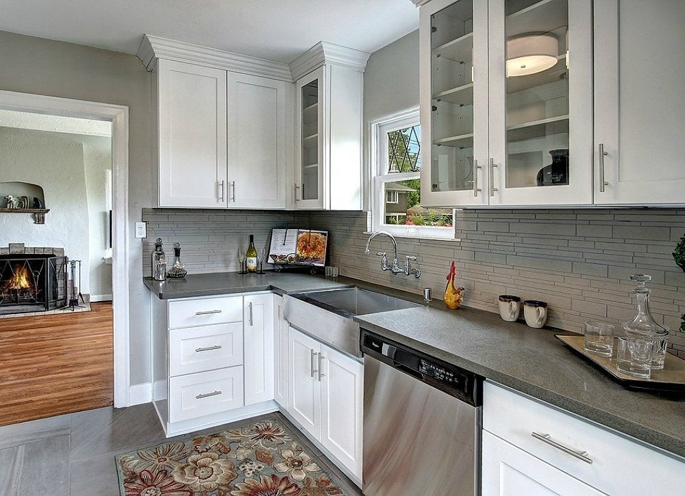Crown molding ideas 10 ways to reinvent any room bob vila for White kitchen cabinets with crown molding