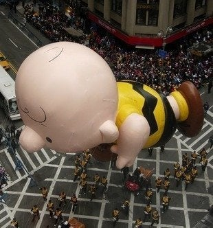 Labworks360 macys thanksgiving day parade charlie brown bob vila20111123 36322 1twjci4 0