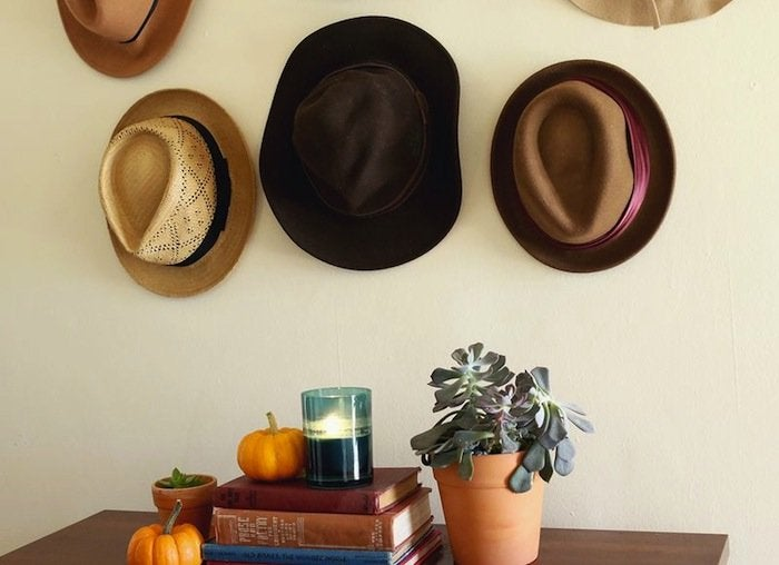 Entryway hat rack