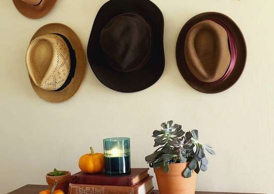 Entryway_hat_rack