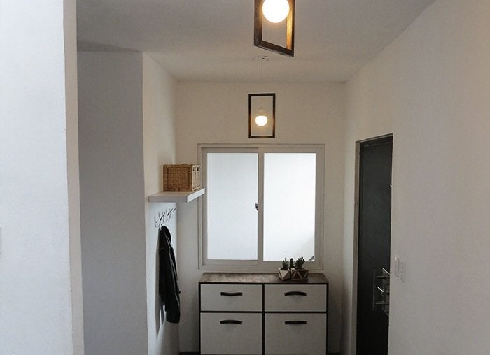 Pendant lighting entryway