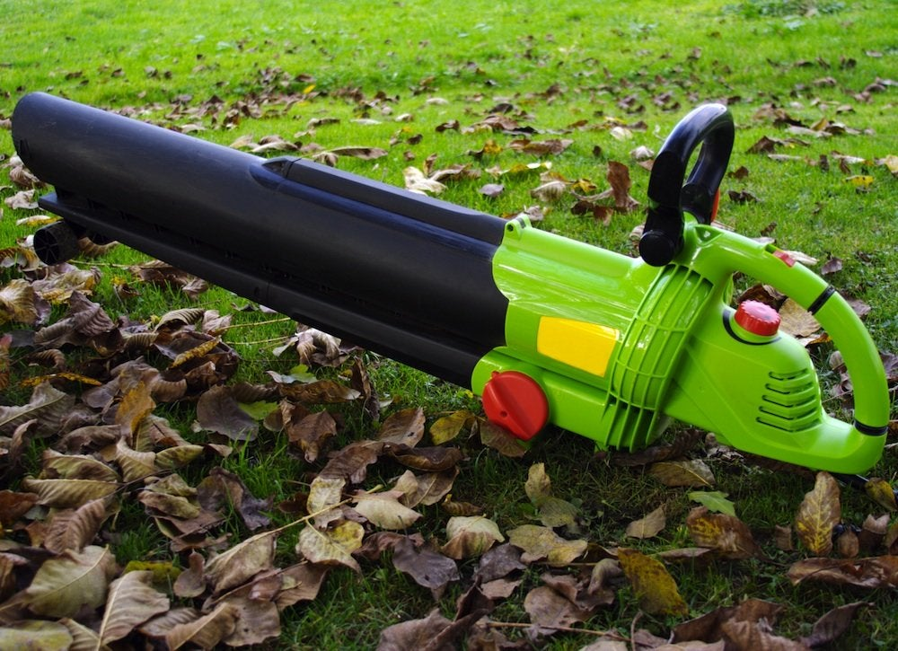 Leaf blower gutter