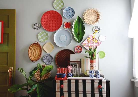 Hanging plates wall art