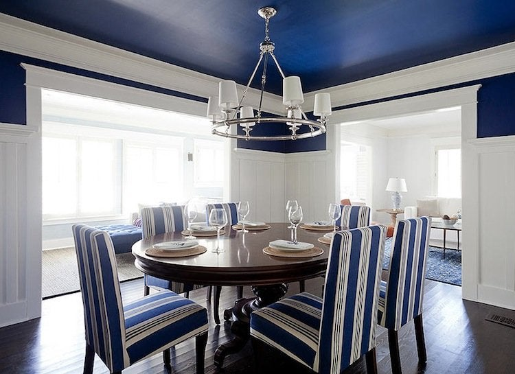 White_and_blue_dining_room