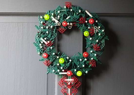 Knex_christmas_wreath