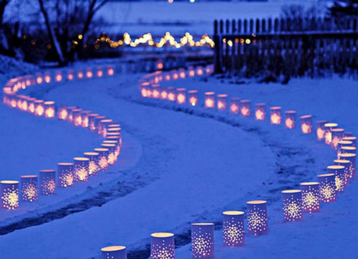 Outdoor holiday lights   tins