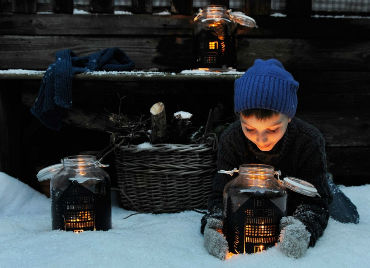 Winter outdoor lanterns diy christmas decorations 10 for Lanterne deco exterieur