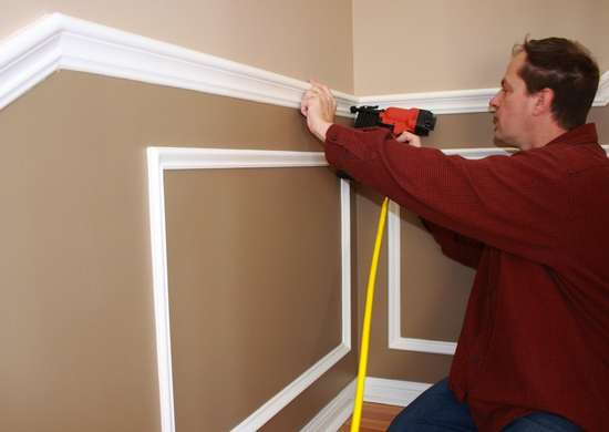 Install_crown_molding