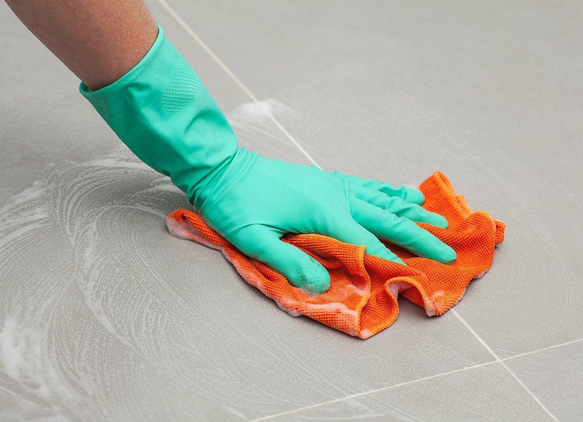 Wipe up bathroom floor