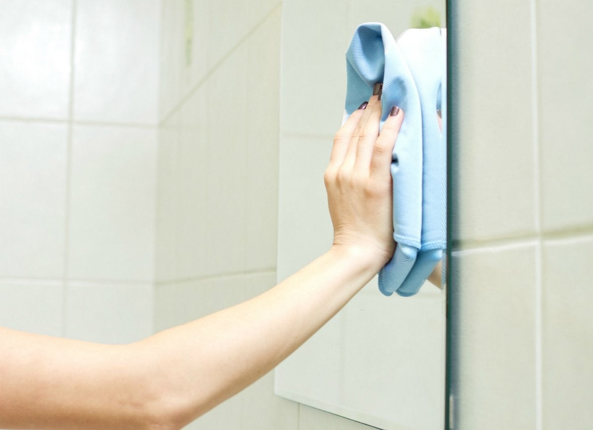 How To Clean A Bathroom The Easy 20 Minute Routine Bob Vila