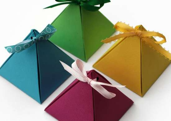 How to wrap a gift   cardstock pyramids