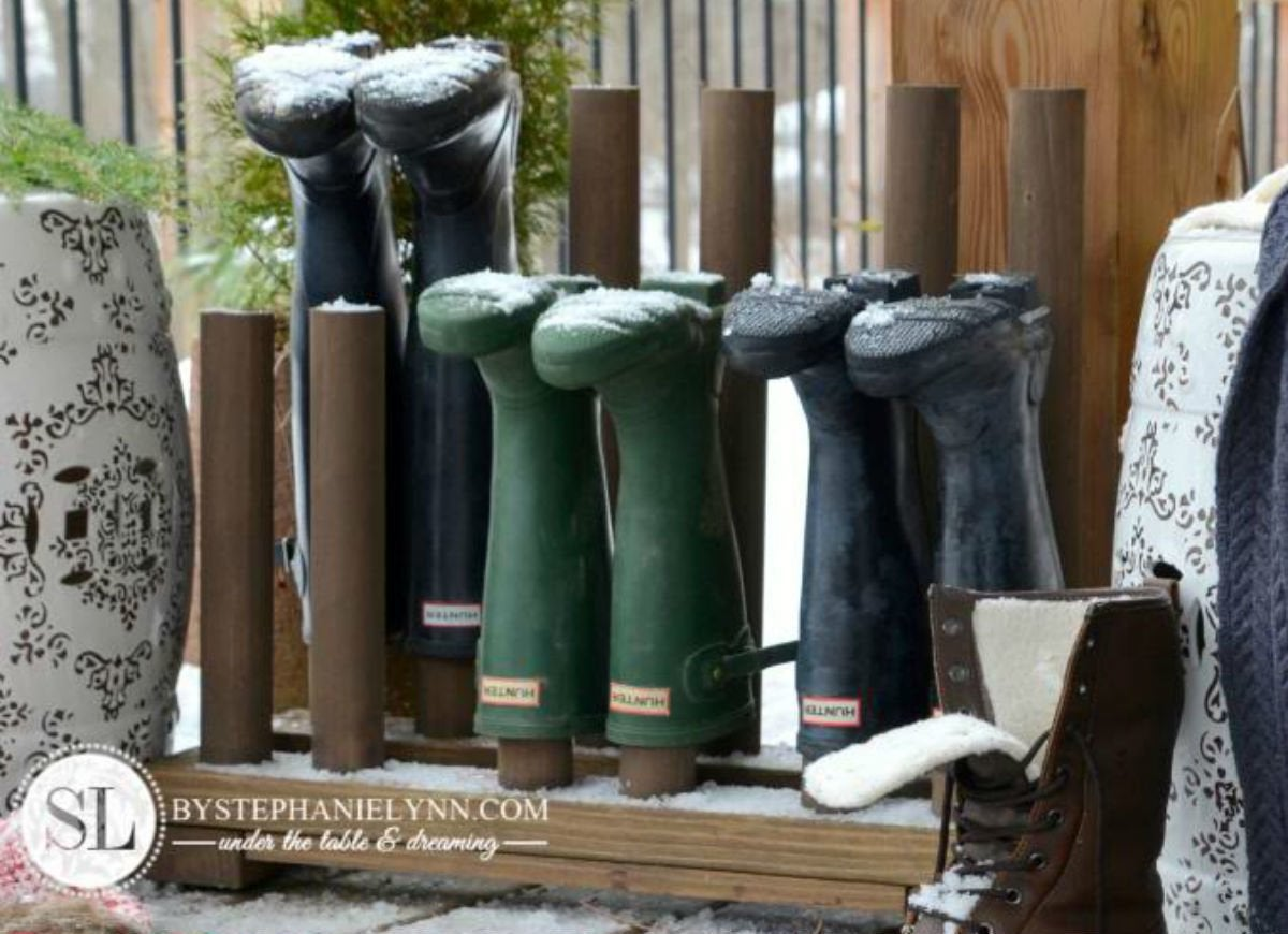 Check snow and slush   boot rack