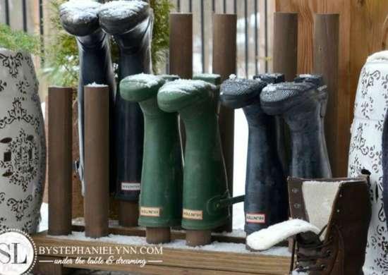 Check snow and slush   boot rack