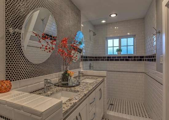 Penny_tile_bathroom