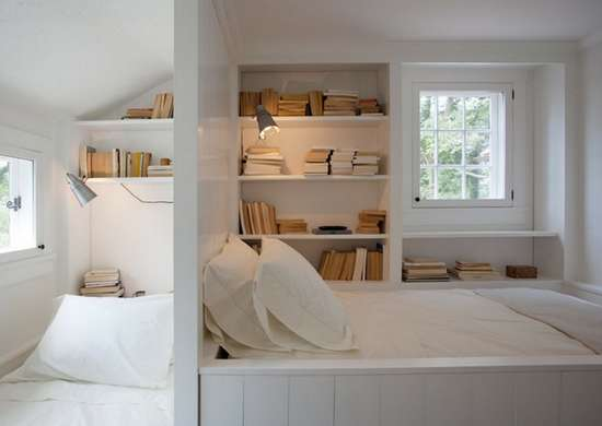 Bedroom book nook
