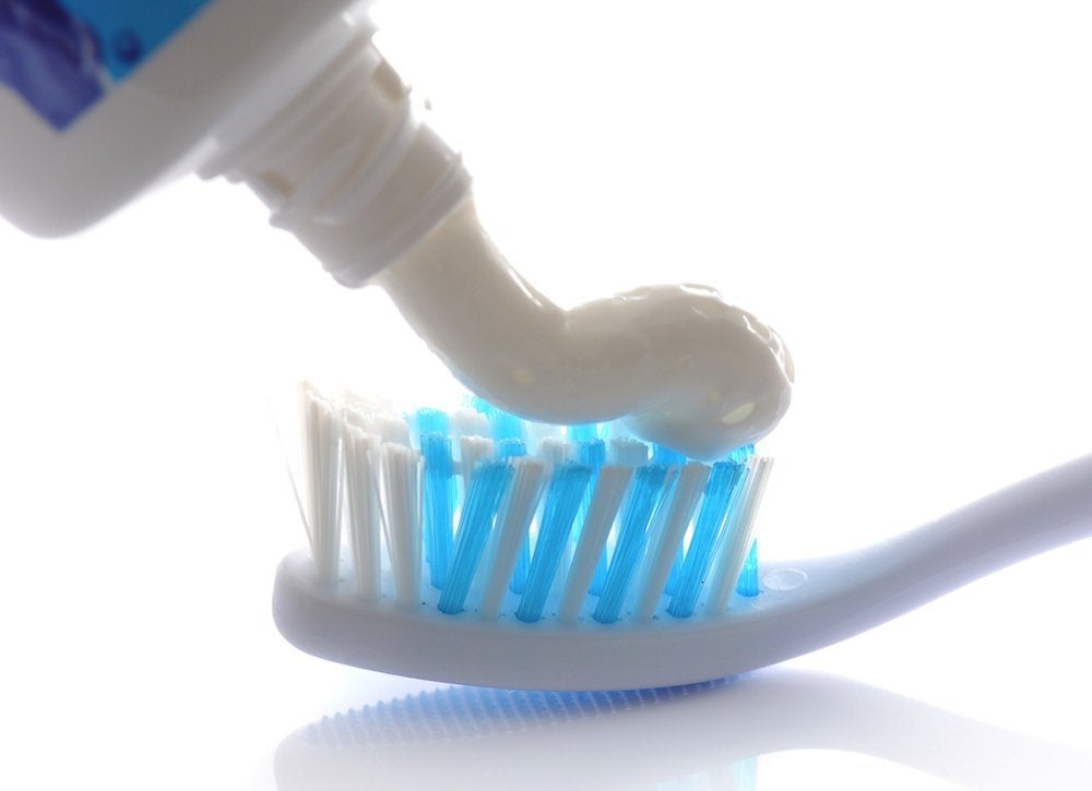 Toothpaste_cleaning