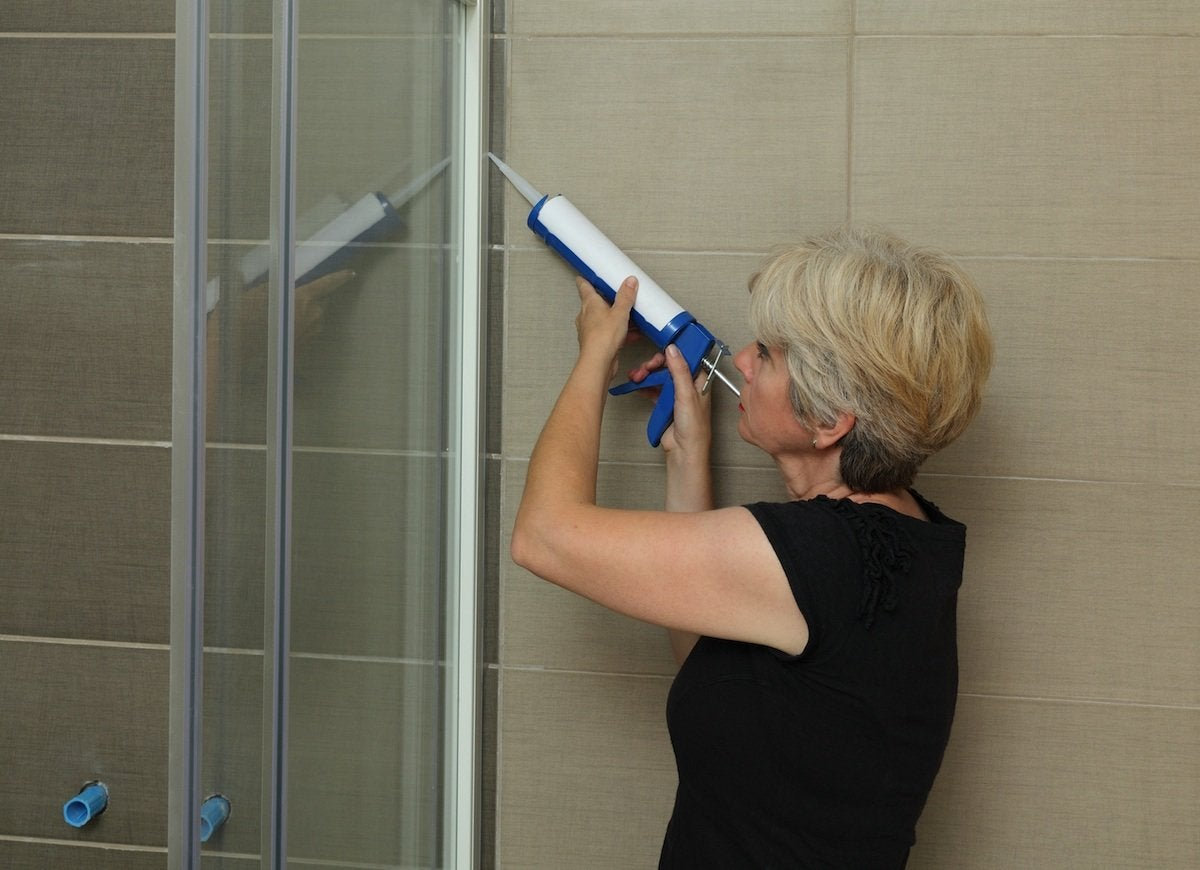 Caulk_shower