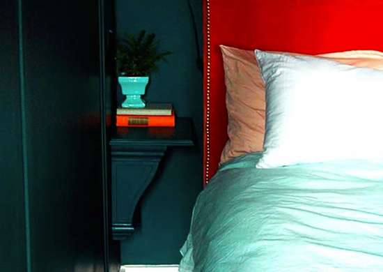 Cornice shelf as bedside table