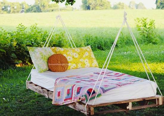 Diy pallet swing bed