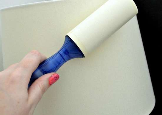 Lint roller to clean lampshade