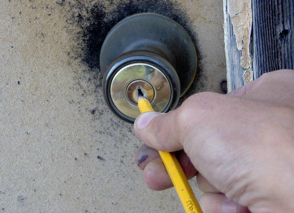 Home-repair-hacks-18