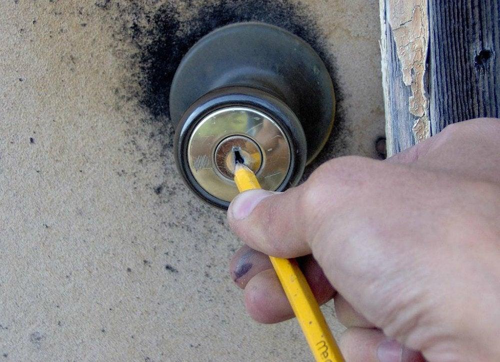 Home repair hacks 18