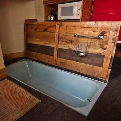 Hideaway tub