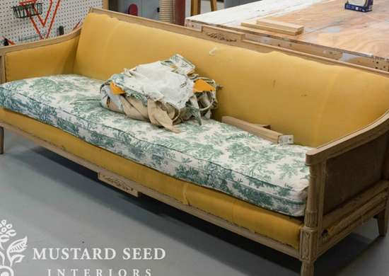 Vintage-couch