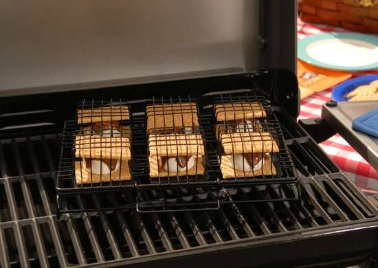 Smores maker for grill