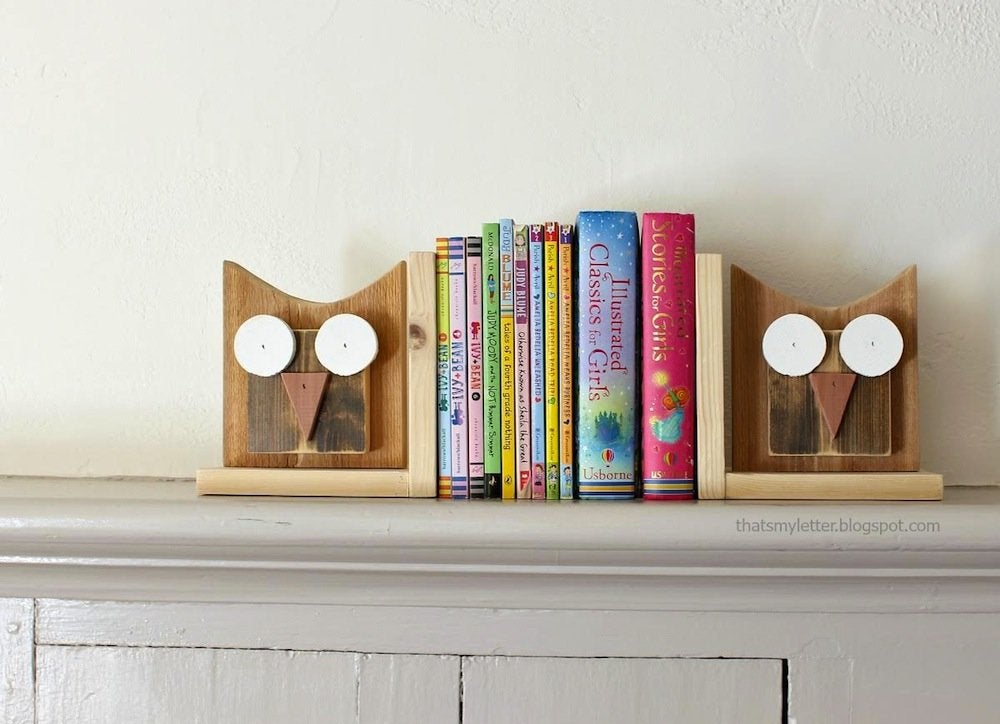 Wood-owl-bookends
