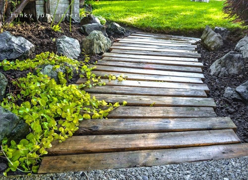 Pallet wood garden path