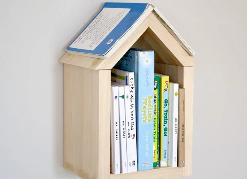 Diy house book shelf