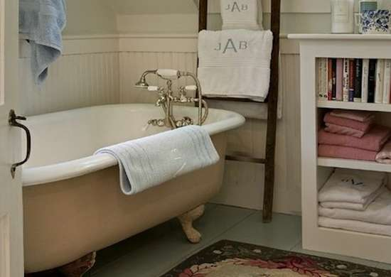 Storage ladder bathroom