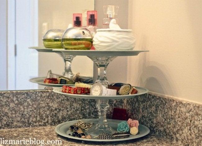 Cake plate storage
