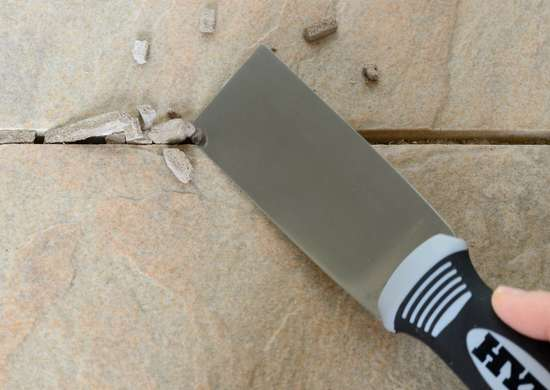 1 1 2inch putty knife removing grout