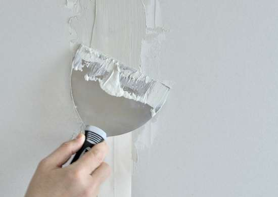 how to fix drywall cracks with joint compound
