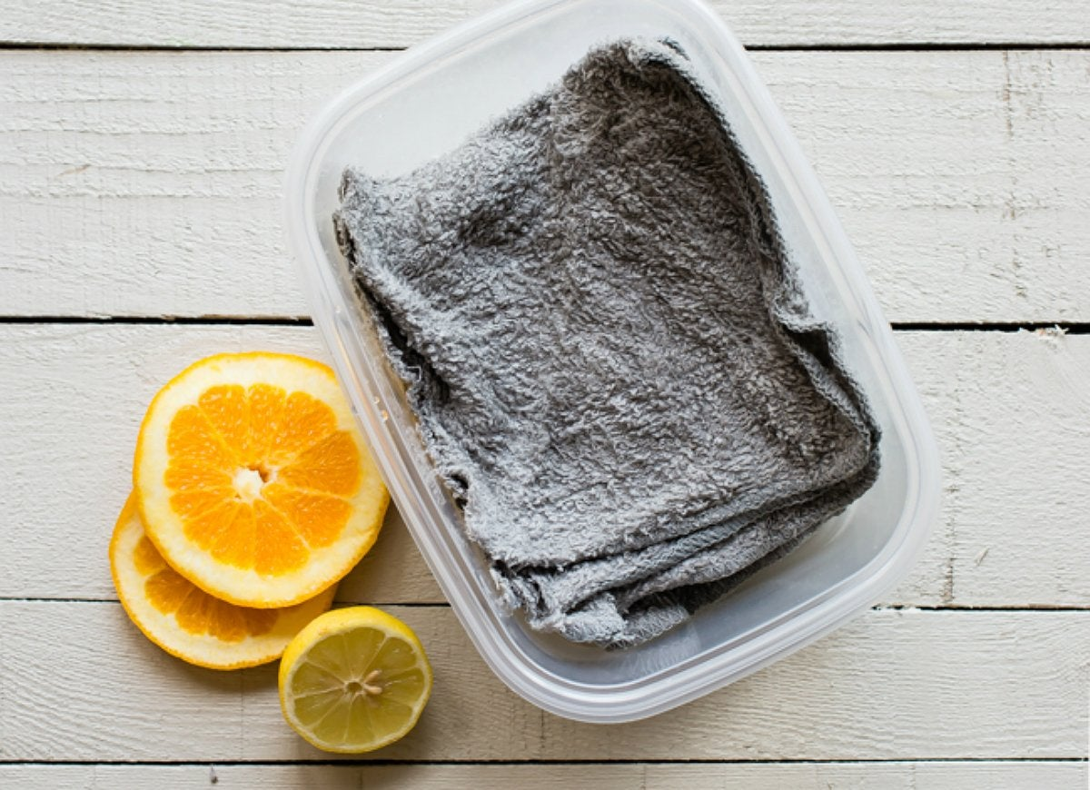 Diy-reusable-dryer-sheets-with-vinegar-and-old-dish-cloths
