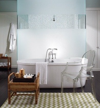 Designerscollaborativenyc-bruce-bieman-stand-alone-duravit-tub-in-a-palm-beach-bathroom-by-bruce-bierman