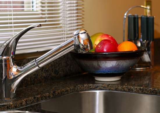 Clean_the_kitchen_sink