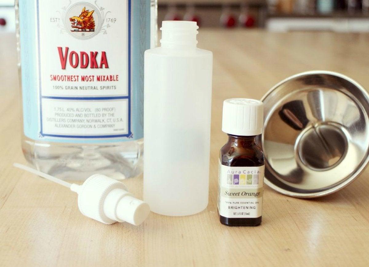 Spray homemade air freshener