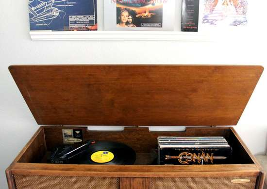 Record player stereo console